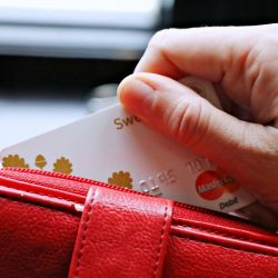 How to get a credit card if you have a bad credit rating